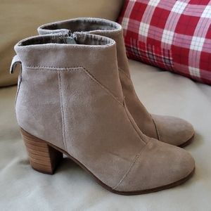 TOMS Tan Suede Leather Booties Size 9